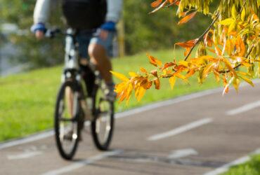 Verwarring alom: wanneer hebben fietsers voorrang bij het oversteken van de rijbaan